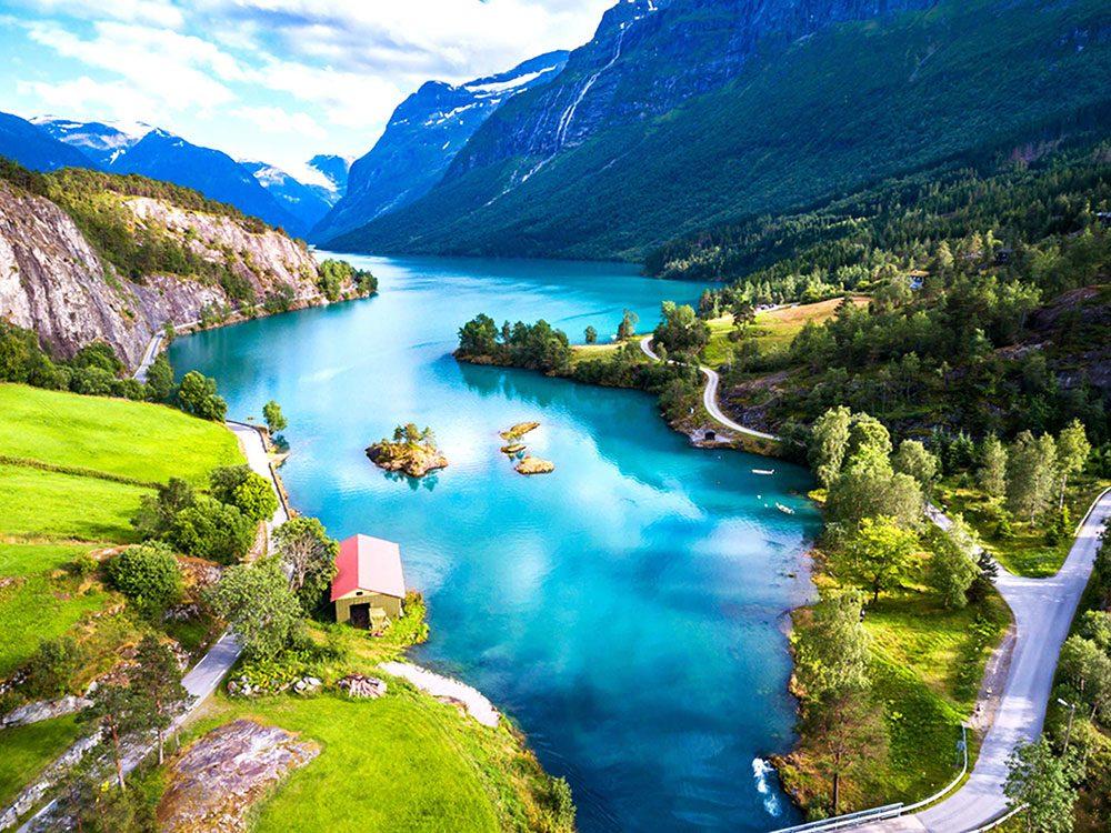 Penser que la Norvège est le pays le plus au nord du monde est une erreur de géographie.