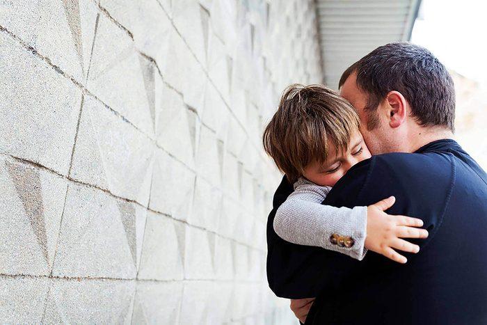 Famille monoparentale : les pères célibataires ont des problèmes spécifiques.