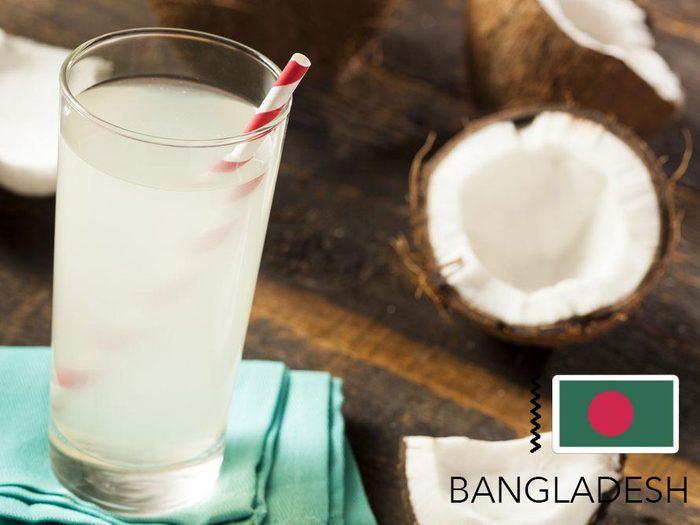 Gueule de bois : au Bangladesh, buvez de l'eau de coco.
