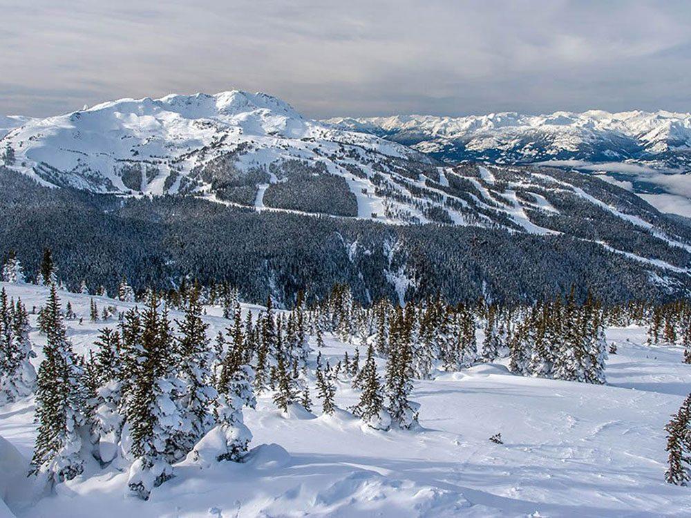 Explorez la majesté de Whistler pour profiter de l'hiver au Canada.