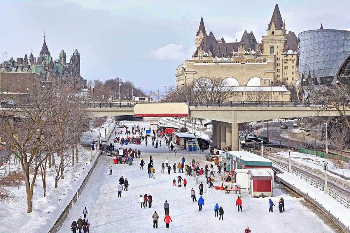 Hiver au Canada : patinez sur le canal Rideau.