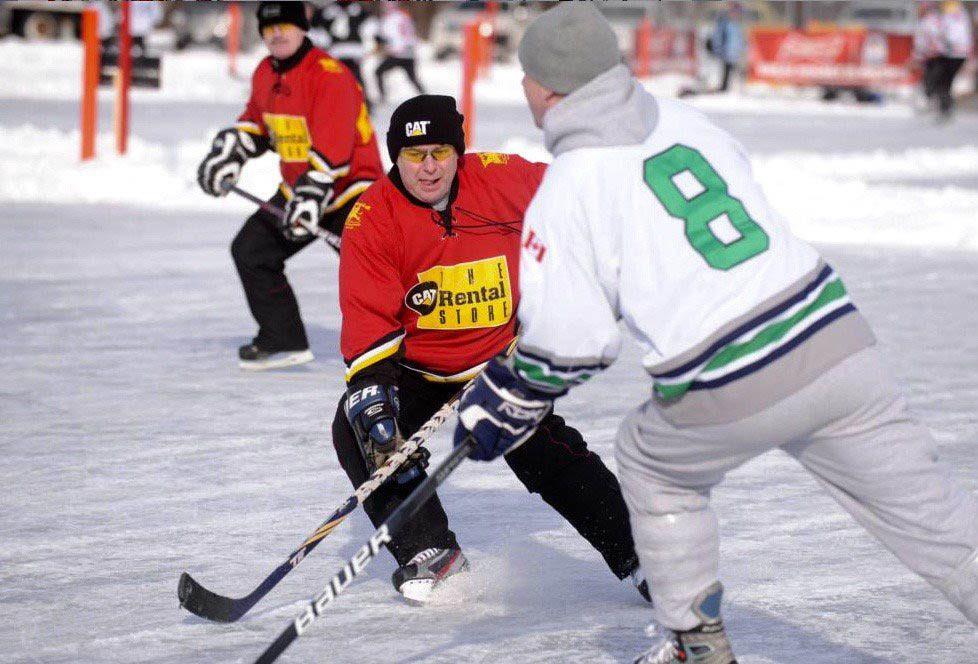 Hiver au Canada : sautez sur la glace à Plaster Rock.