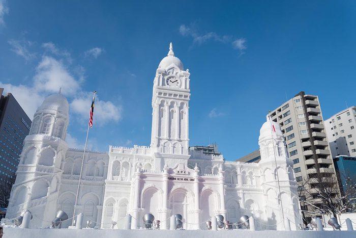 En hiver, visitez Sapporo au Japon.
