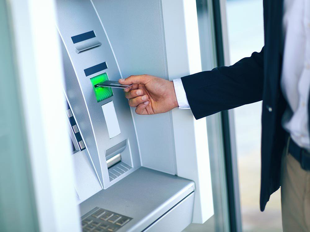 Immigrer au Canada : possédez une carte de crédit est la seule façon d'établir une côte de crédit.