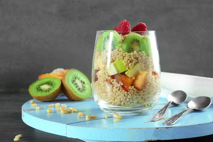 Le quinoa contient plus de protéines que le riz.