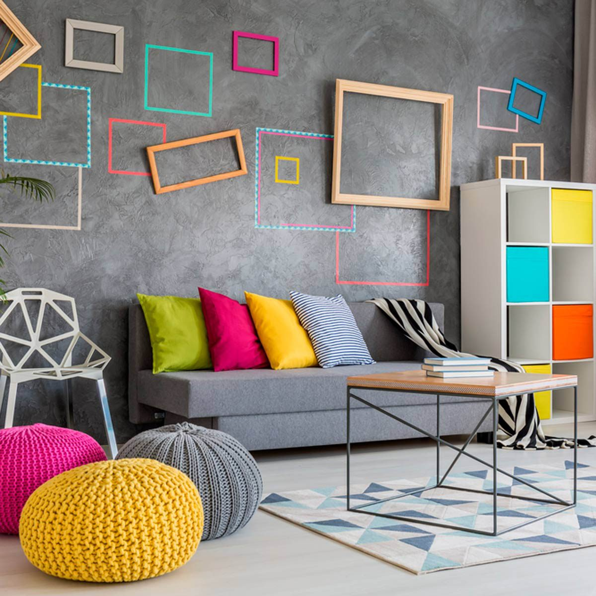 Pour une maison plus lumineuse, ajoutez des accessoires aux couleurs vivantes.