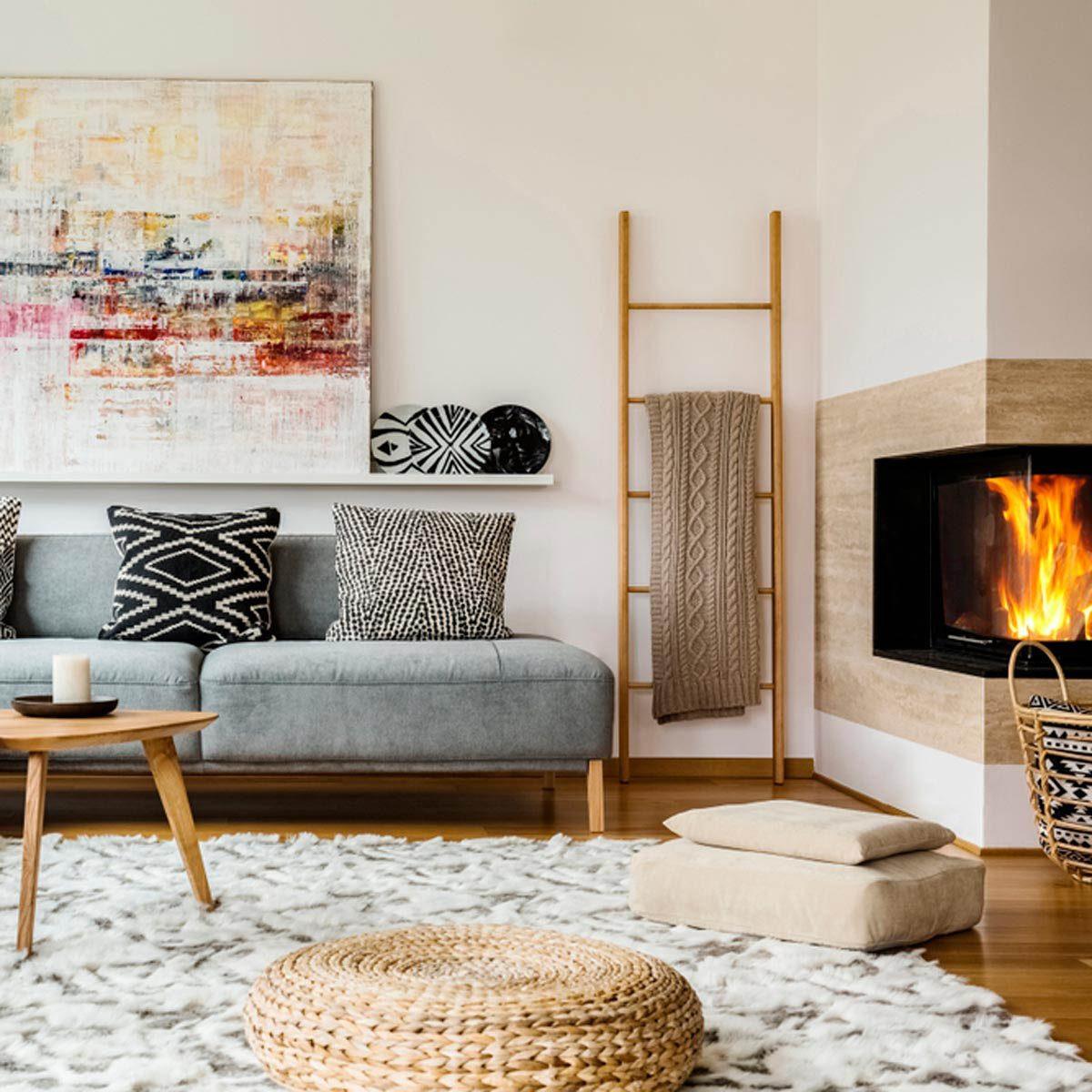 Pour une maison plus lumineuse, décorez avec des tapis intéressants.