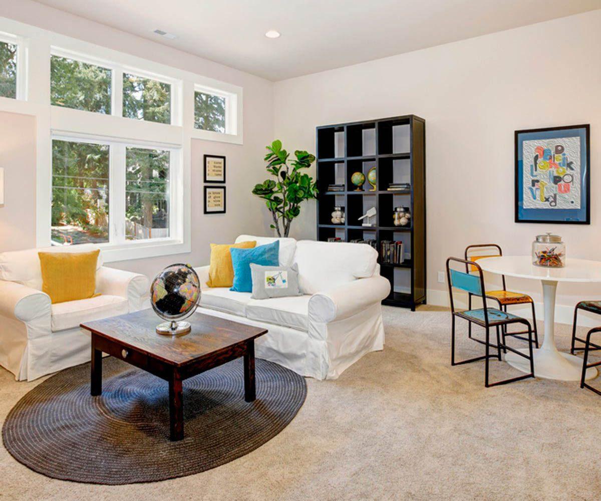 Pour une maison plus lumineuse, utilisez des housses de protection de couleurs clairs.
