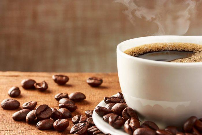 Maladie cardiaque : buvez du café avec modération.