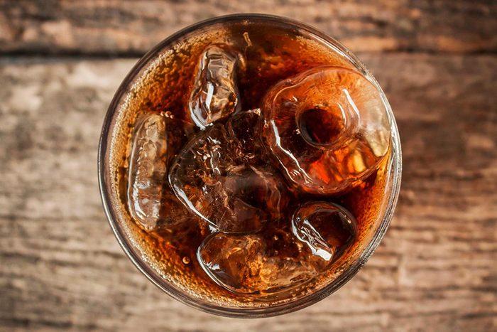 Maladie cardiaque : limitez les risques en arrêtant de boire des sodas.