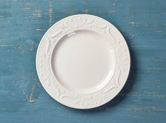 Pour manger santé acheter de la vaisselle plus petite pour réduire la taille des portions.