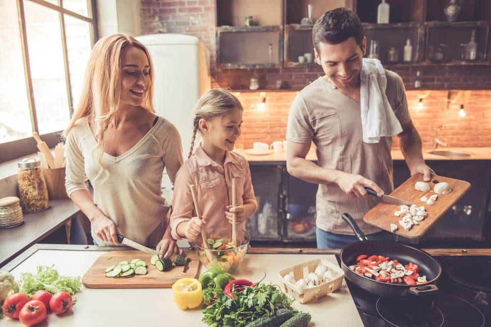 Pour manger santé faites vous-mêmes la cuisine.