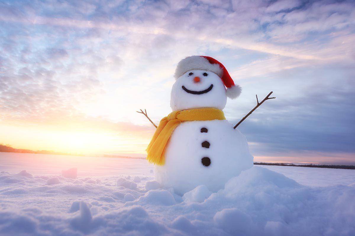 Le bonhomme de neige le plus grand au monde mesure 37 m.