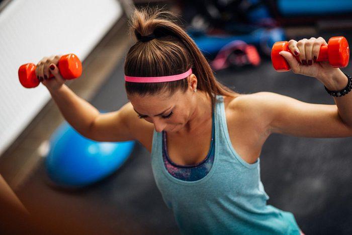 Pour perdre du poids en dormant, augmentez votre masse musculaire.