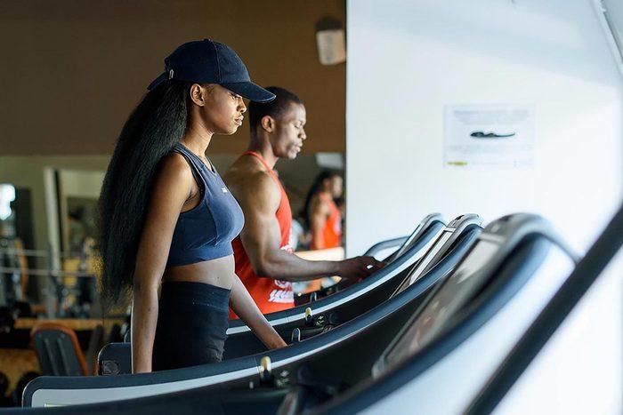 Pour perdre du poids, changez votre routine d'exercices.