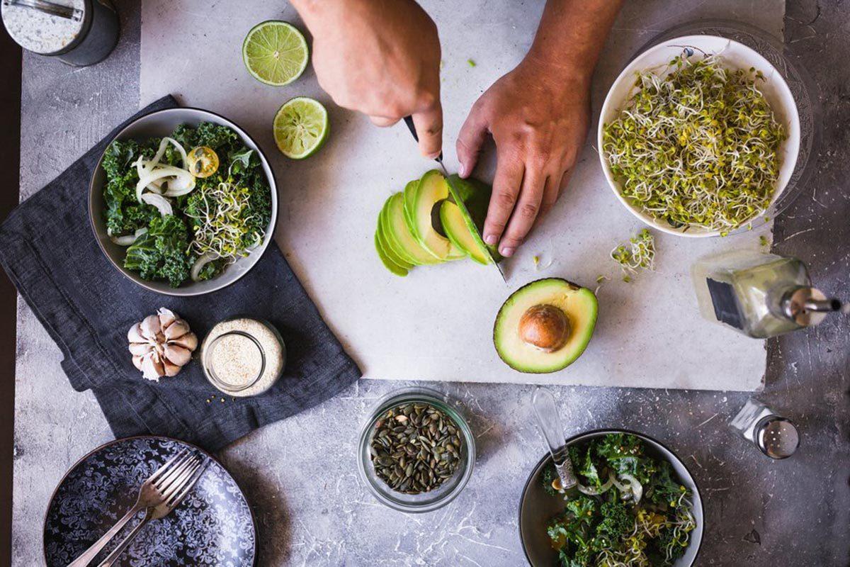 Pour perdre du poids, n'ignorez pas les signaux de faim que vous envoie votre corps.