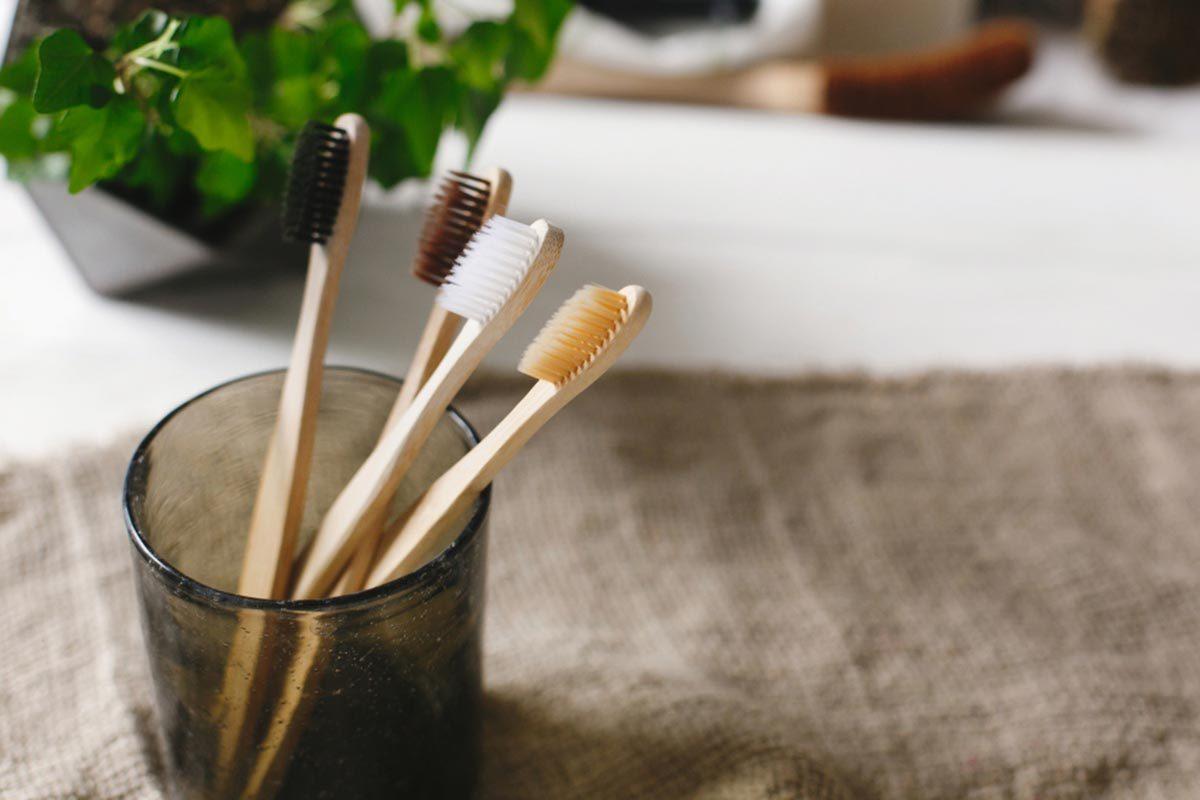 Objet plus sale que les toilettes : la brosse à dent.