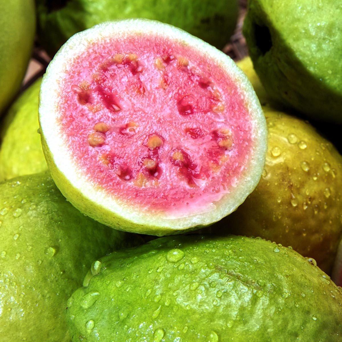 Des protéines végétales peuvent être ajoutées à votre smoothie avec des goyaves.
