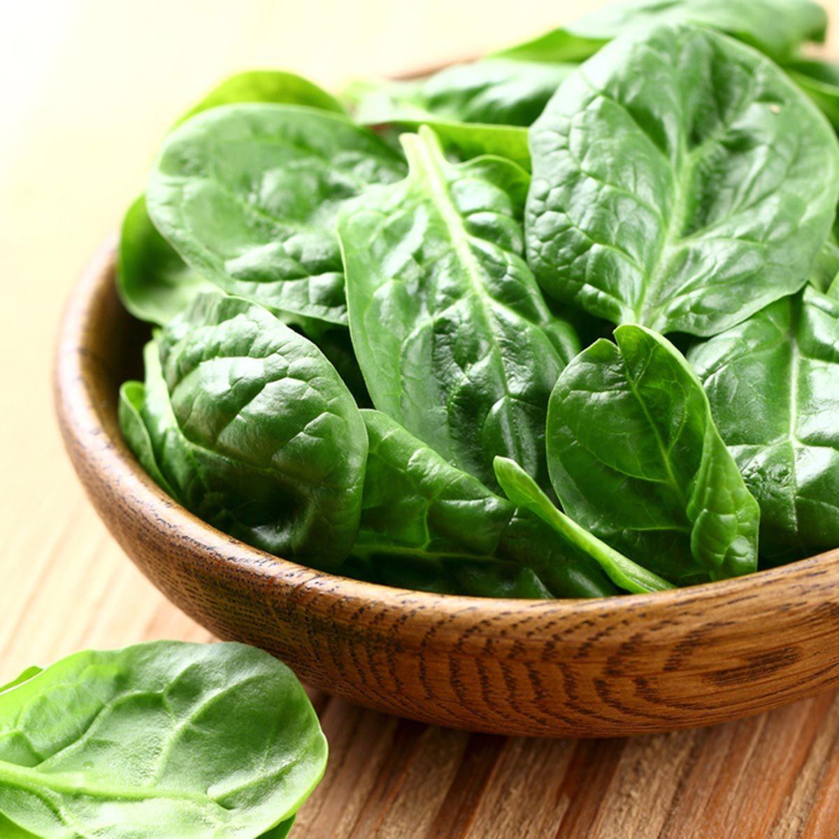 Des protéines végétales peuvent être ajoutées à votre smoothie avec du chou frisé.