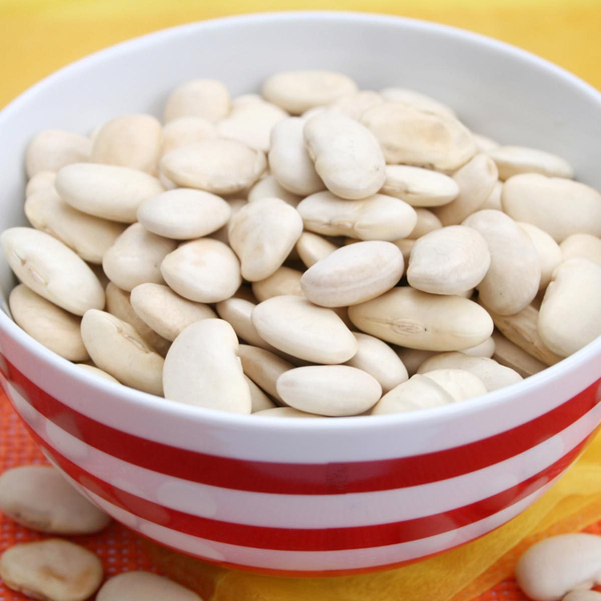 Des protéines végétales peuvent être ajoutées à votre smoothie avec des haricots secs.