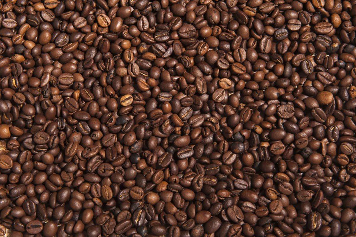 Pour réduire les factures, choisissez un café moins cher à mélanger avec un café de spécialité.