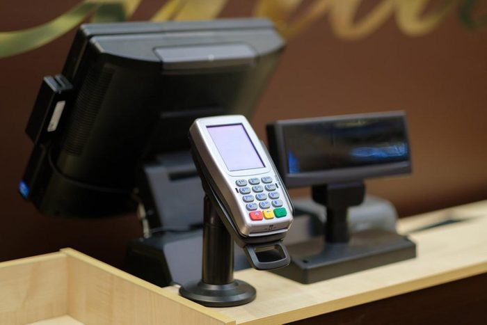 Pour réduire les factures, surveillez les erreurs de caisse.