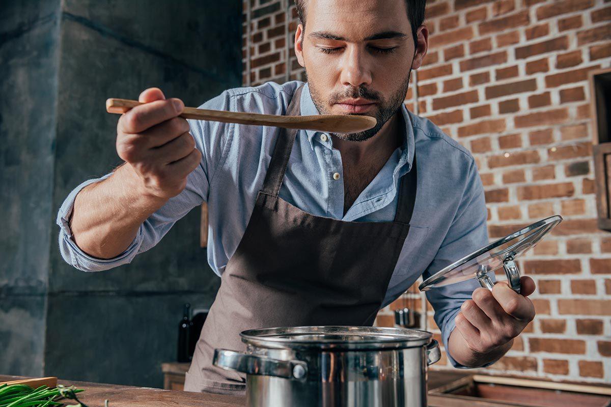 La soupe miso se prépare en 4 étapes.