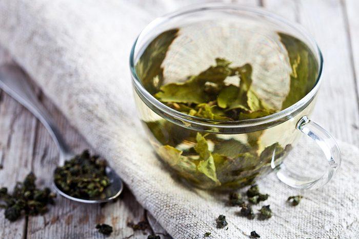 Superaliments pour avoir une belle peau : le thé vert.