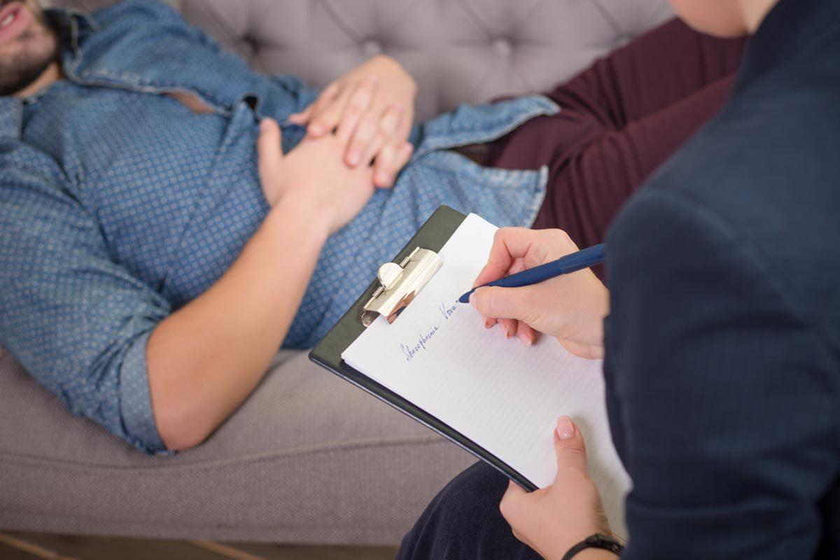 La thérapie fonctionne si vous êtes capables de réfléchir sur ce qui vous a amené en thérapie.