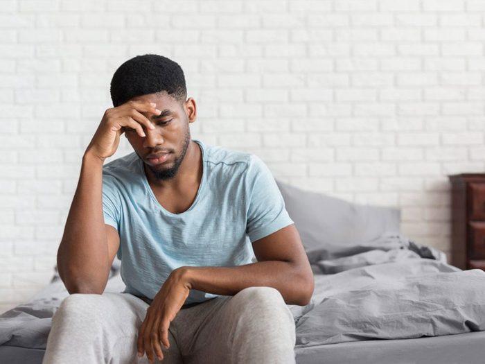 Violence conjugale: votre partenaire est contrôlant.