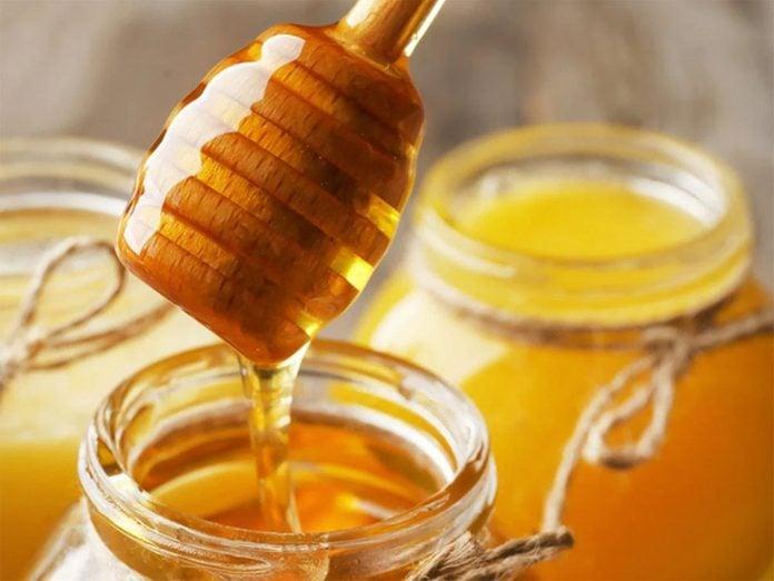 Du miel à ajouter au yogourt.