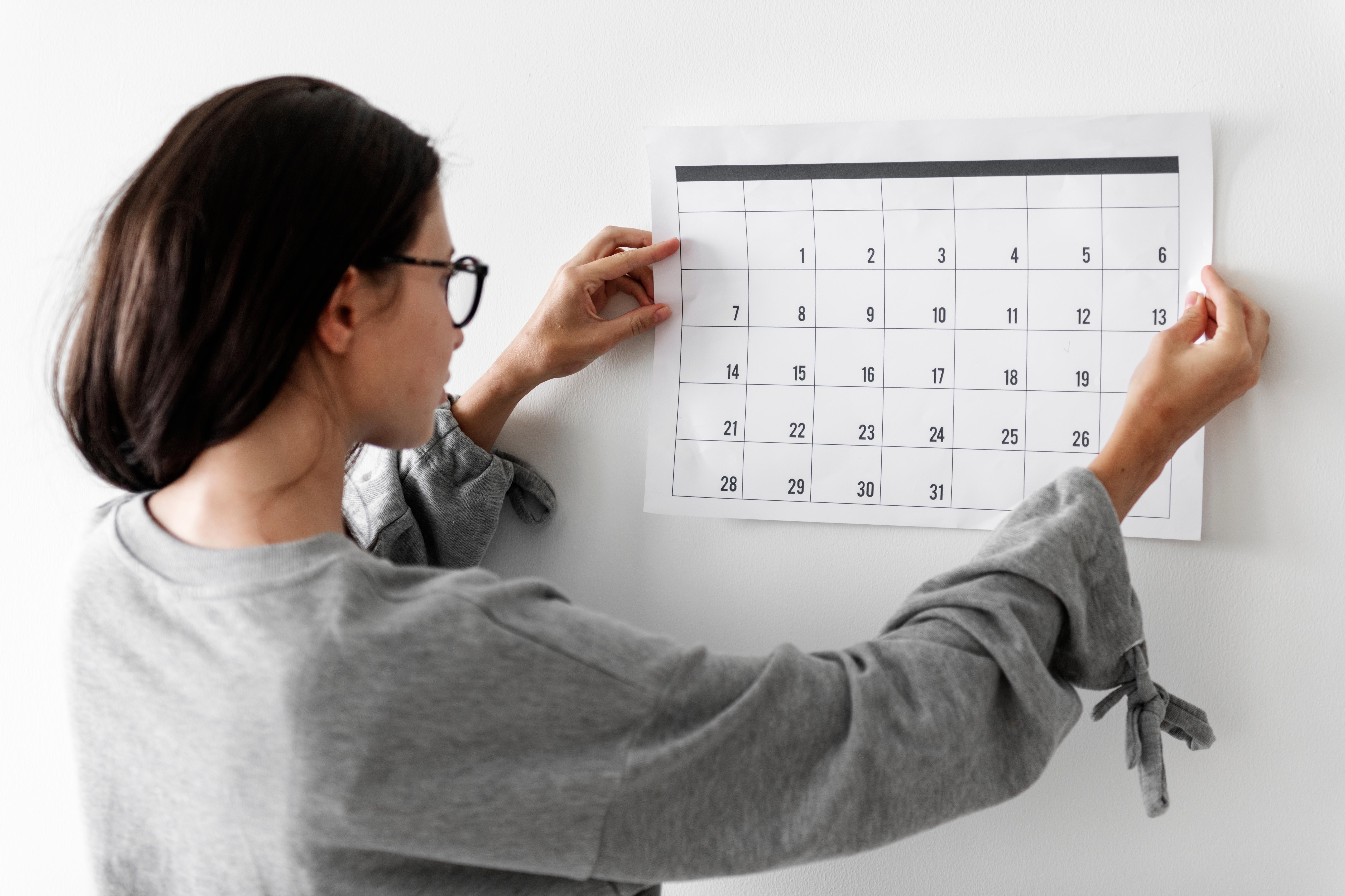 Pour aider vos enfants à faire leurs devoirs, faites un calendrier.