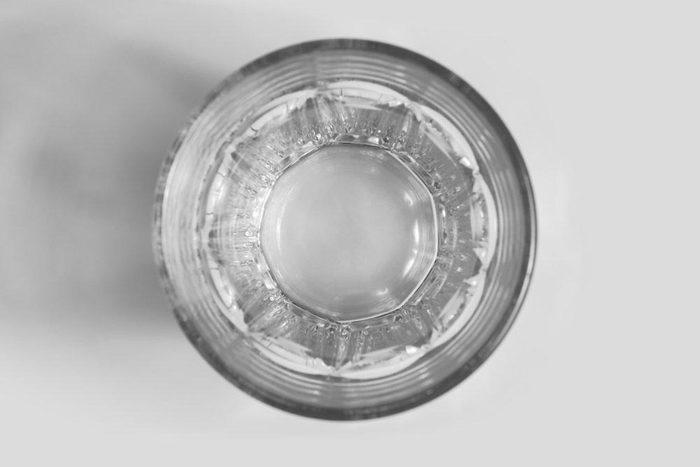 Aliment anti-cellulite : l'eau.
