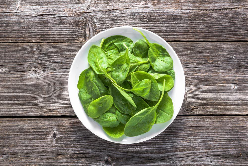 Aliment anti-cellulite : les légumes à feuilles.