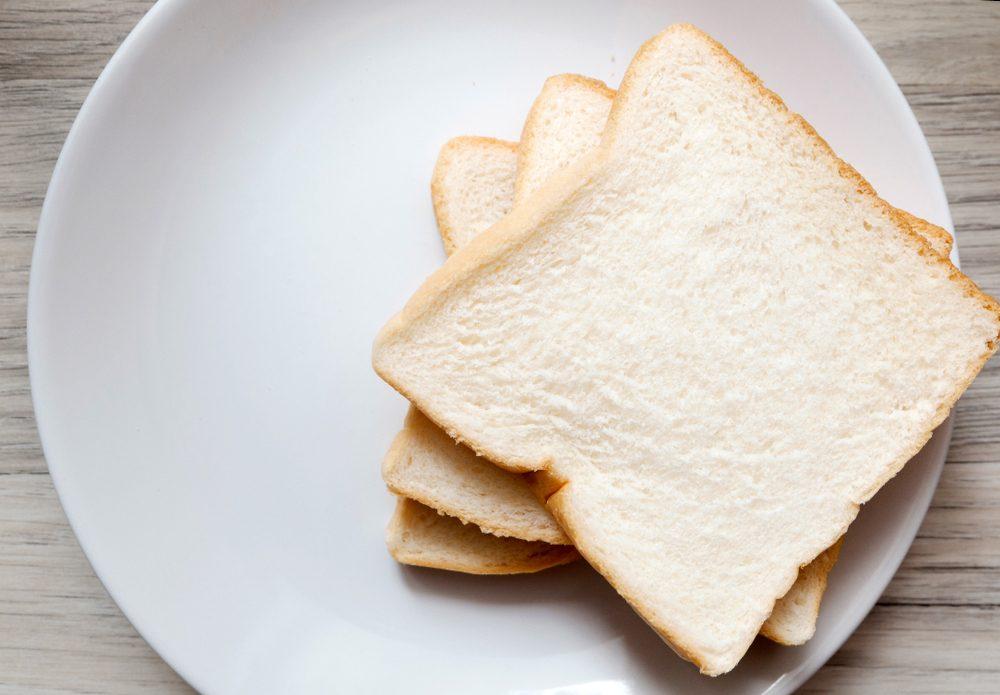 Aliment anti-cellulite : évitez le pain blanc.