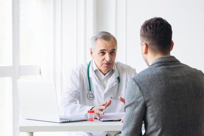 Cancer de la prostate : parlez-en à votre médecin pour mieux le prévenir.