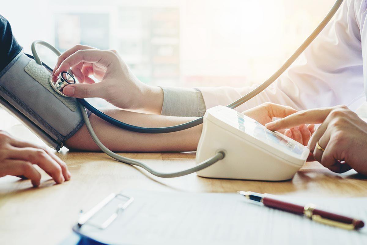Le risque de crise cardiaque augmente avec ces facteurs de risques.