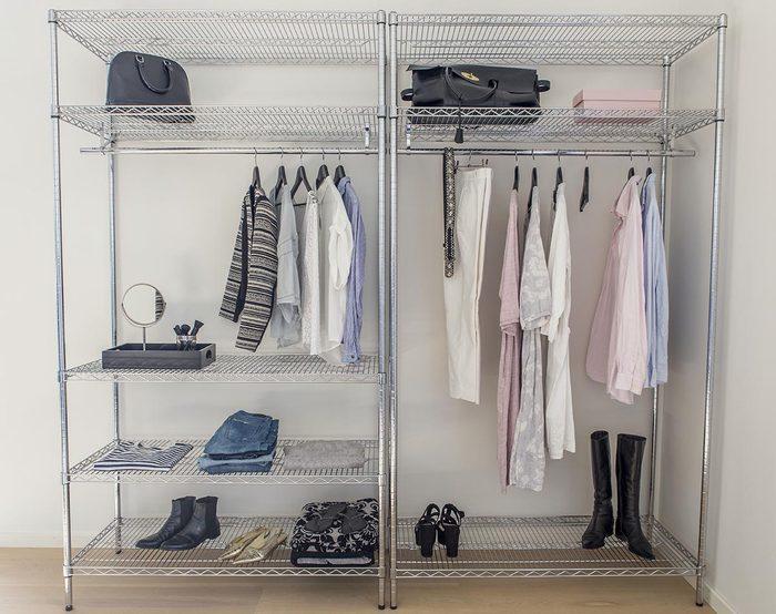 Pour une déco minimaliste, allégez votre garde-robe.