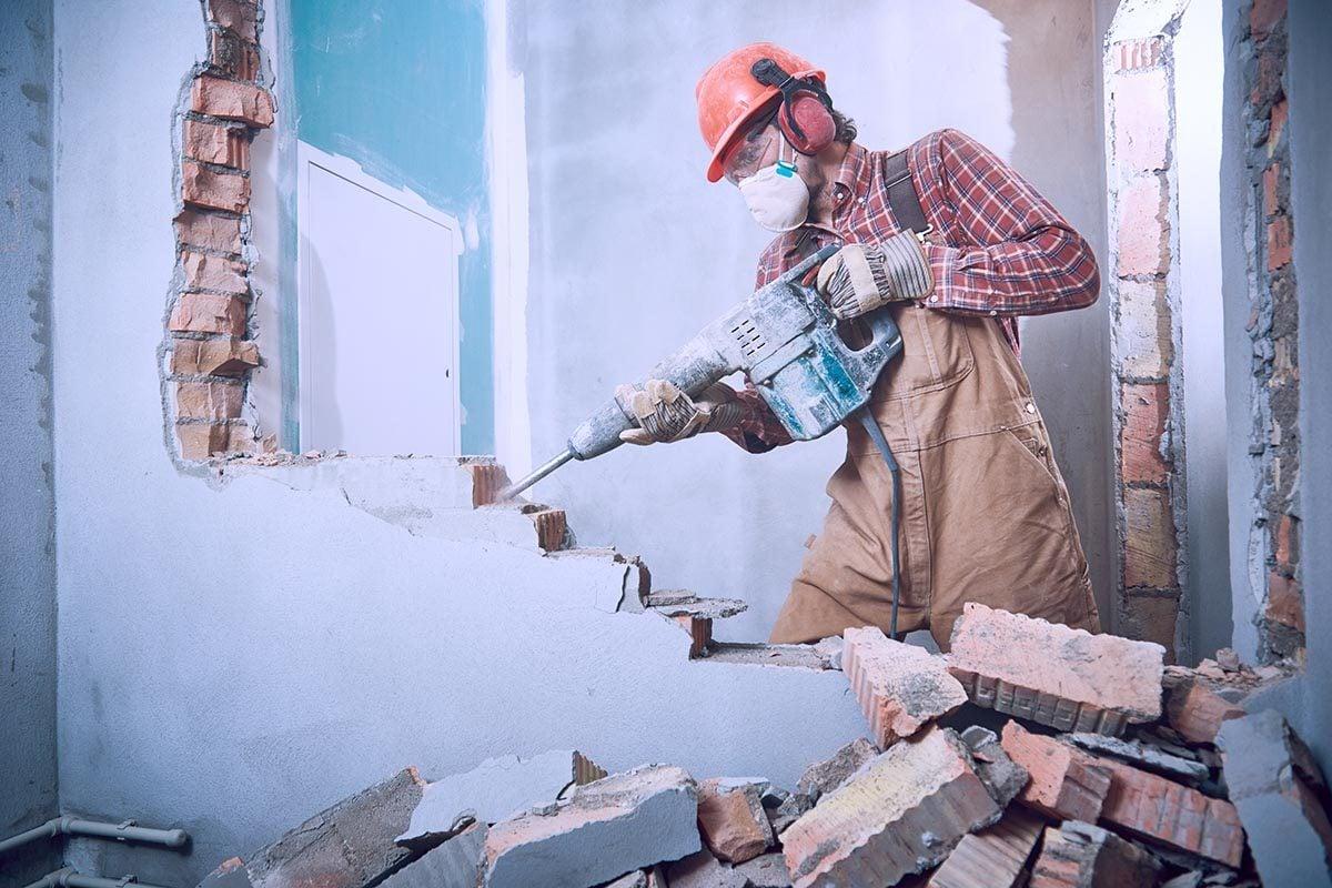 Un divorce a été prononcé après qu'un homme ait démoli un mur de la maison.