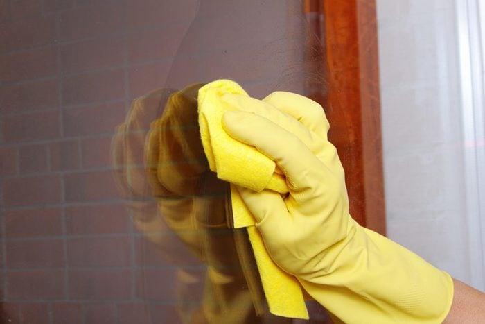 Pour économiser, utilisez un nettoyant maison.