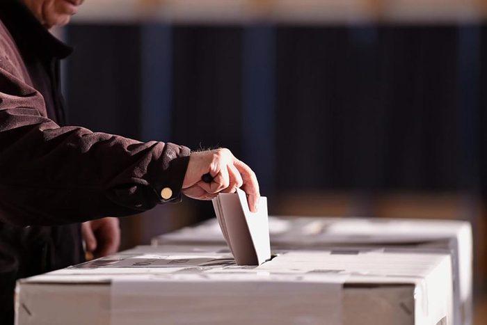 Les machines à voter sont faciles à pirater.