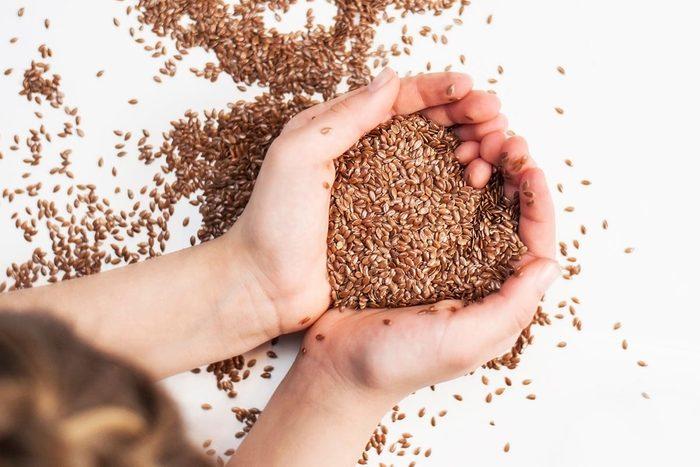 La graine de lin aide à prévenir le cancer.