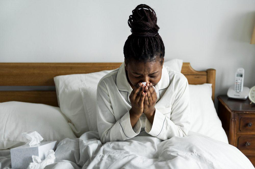 Une personne hypocondriaque se méfie des gens malades.