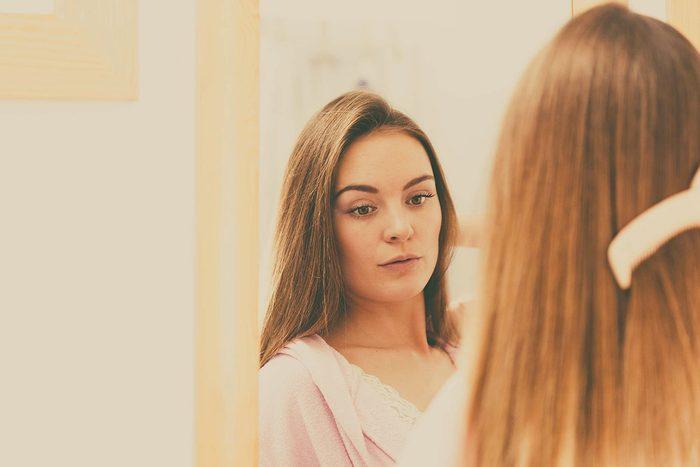 Le lupus peut faire perdre les cheveux.