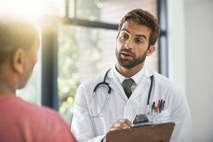 Le lupus peut se manifester sous différents symptômes.
