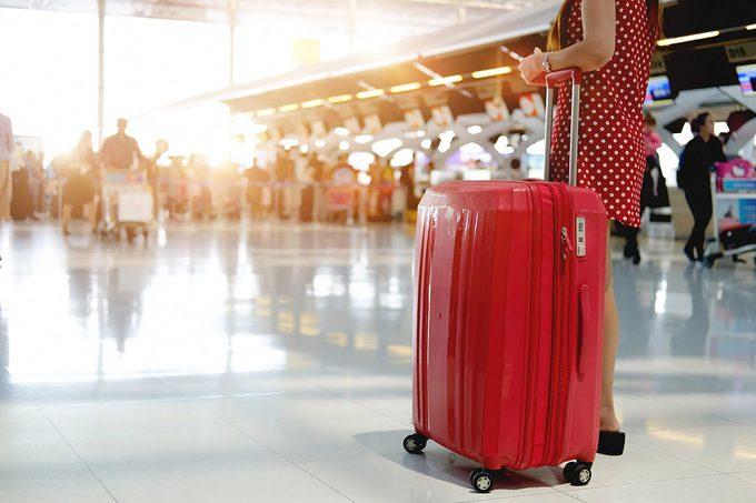 Les microbes s'invitent à l'aéroport.