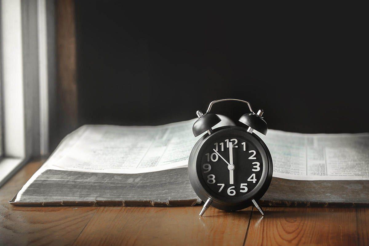 Pour mieux dormir, définissez une heure fixe pour vous coucher.