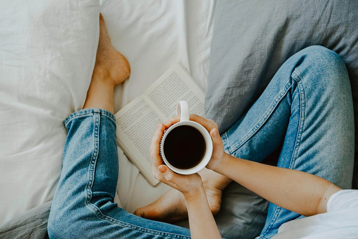 Pour mieux dormir, évitez les boissons caféinées.