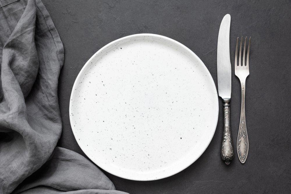 Mythes sur la santé : manger tard favorise l'embonpoint