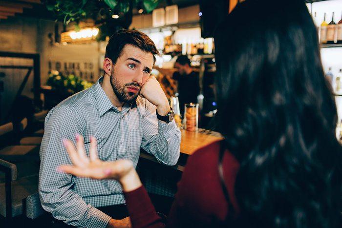 Un narcissique conversationnel n'intéresse pas son interlocuteur.